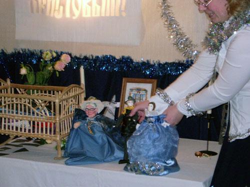 Рождественский праздник для малышей 2008. Кукольный спектакль по сказкам Андерсена.